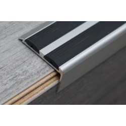 Aluminum stair profiles with double anti-slip rubber insert